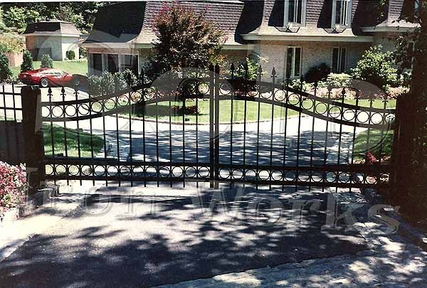 wm_Driveway_Security_Gate_004_copy600x.jpg