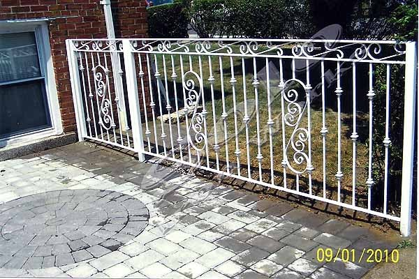 wm_Outdoor_Wrought_Iron_Railing_001_copy600x.jpg