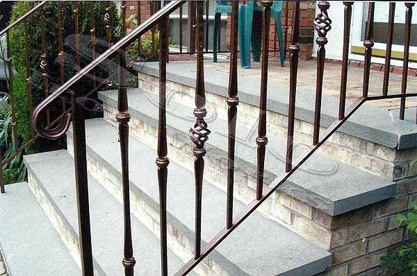 wm_Outdoor_Wrought_Iron_Stair_Railing_003_copy600x.jpg