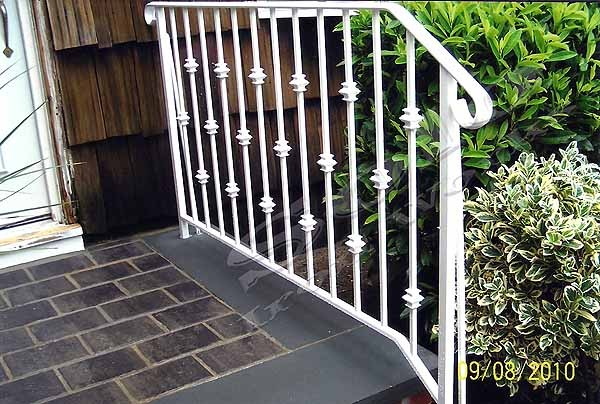 wm_Outdoor_Wrought_Iron_Stair_Railing_005_copy600x.jpg