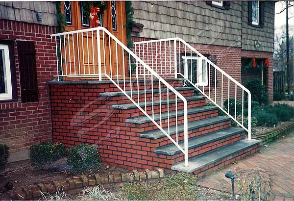 wm_Outdoor_Wrought_Iron_Stair_Railing_008_copy600x.jpg