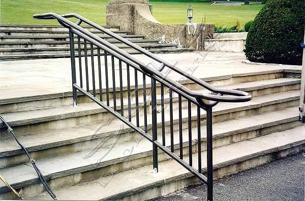 wm_Outdoor_Wrought_Iron_Stair_Railing_011_copy600x.jpg
